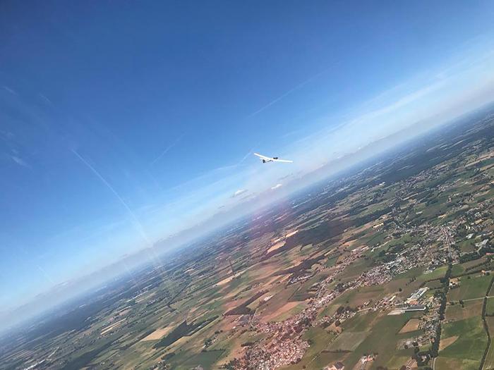 Luchtfoto vanuit het zweefvliegtuig