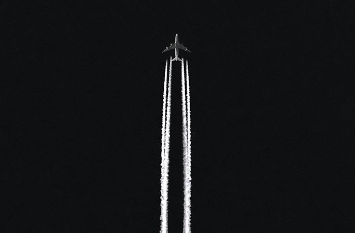 Uitstoot van vliegtuig