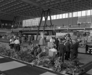 Skyhall binnen 1958